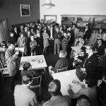 Sit-in im Lehrerzimmer des Wirtschaftsgymnasiums 1968. Foto: Staatsarchiv.